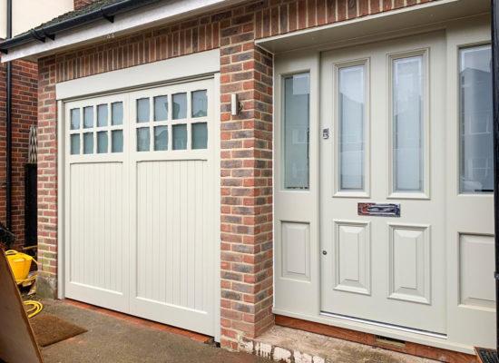 Woodrite Bierton Retractable Garage Door in White